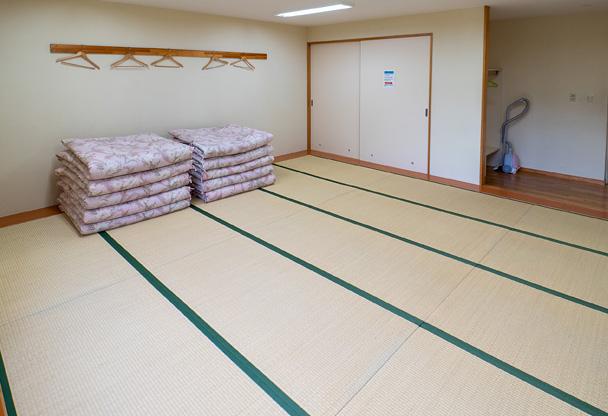 写真:10人部屋